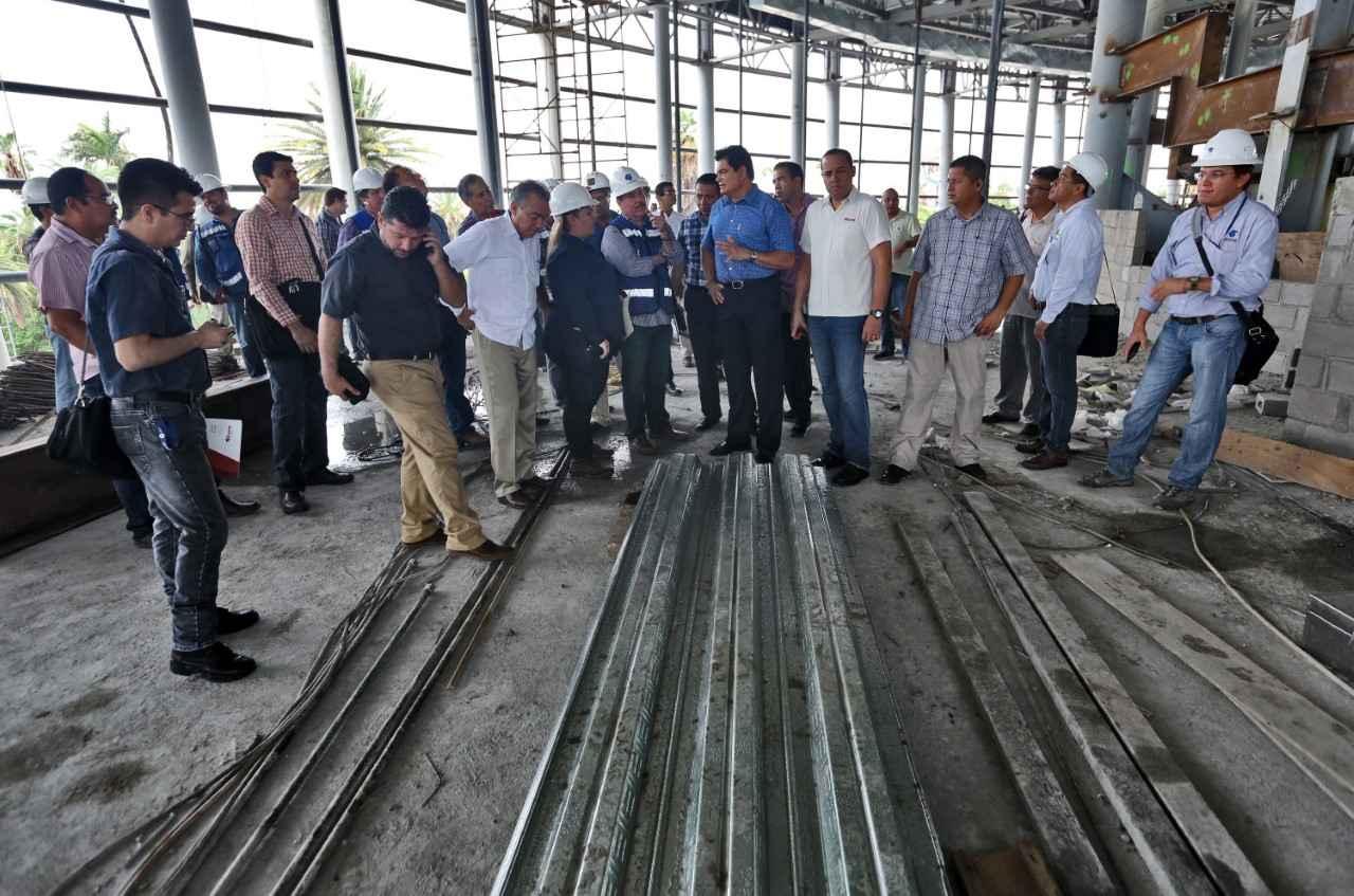 Supervisan construcción de Teatro de la Ciudad en Sinaloa