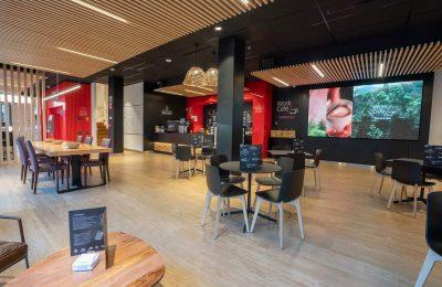 Santander aterriza primer Work Café en la Ciudad de México