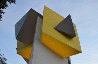 Entregan restauración de escultura de Mathias Goeritz
