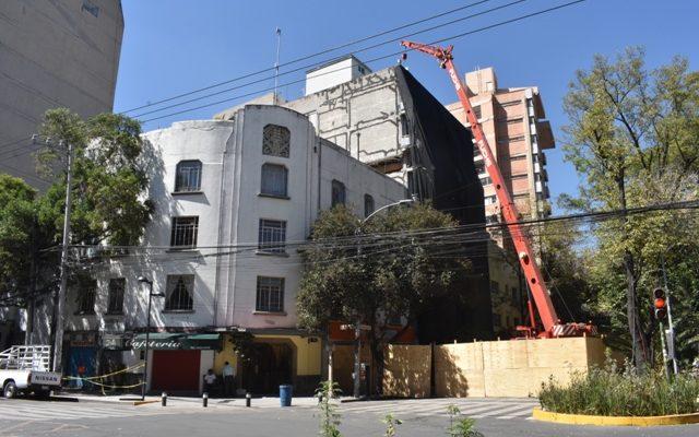 Arranca demolición de edificio en la Condesa; se prevé tarde 100 días