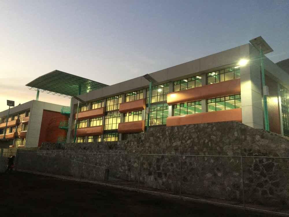 SOBSE construyó nuevo edificio en preparatoria de Iztapalapa