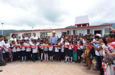 Inauguran escuelas indígenas en Nayarit