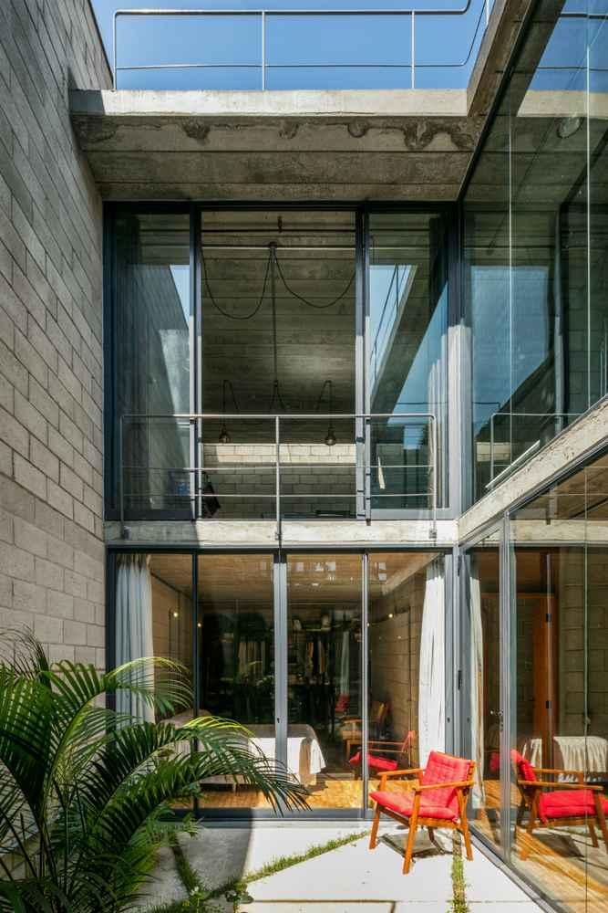 Construyen Casa Mipibu de 30m de largo en Brasil
