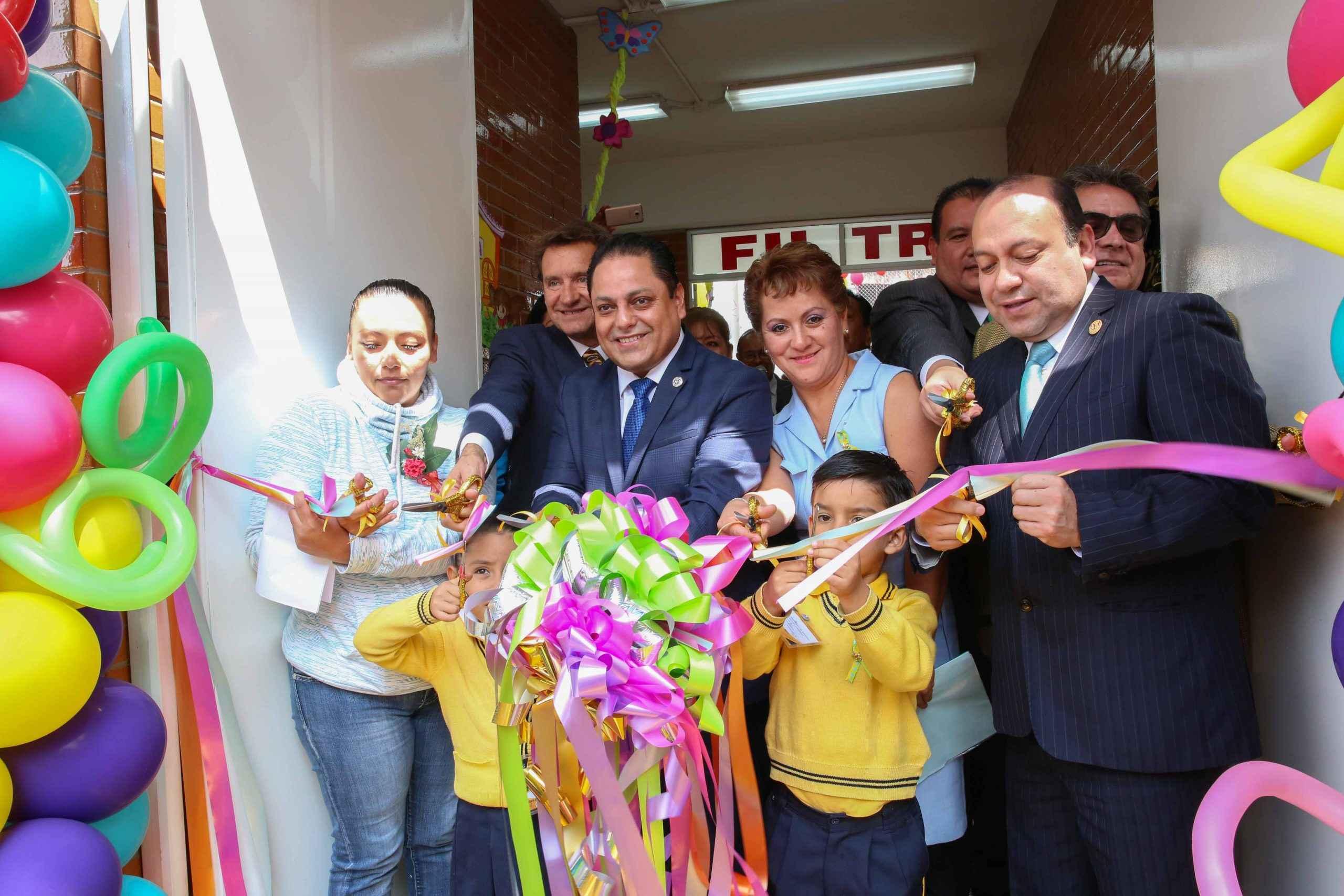 Israel Moreno inauguró Cendi en V. Carranza