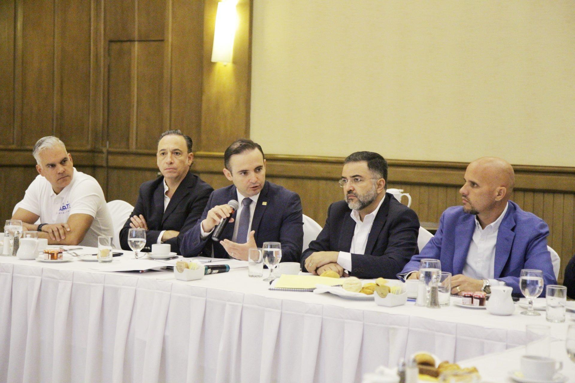 Canadevi Jalisco sostiene reunión con aspirante del PAN