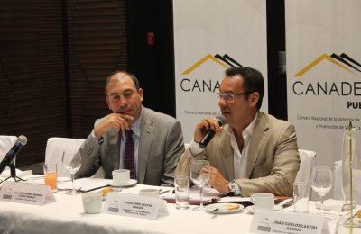 Candidato del PRI a alcaldía de Puebla se reúne con Canadevi