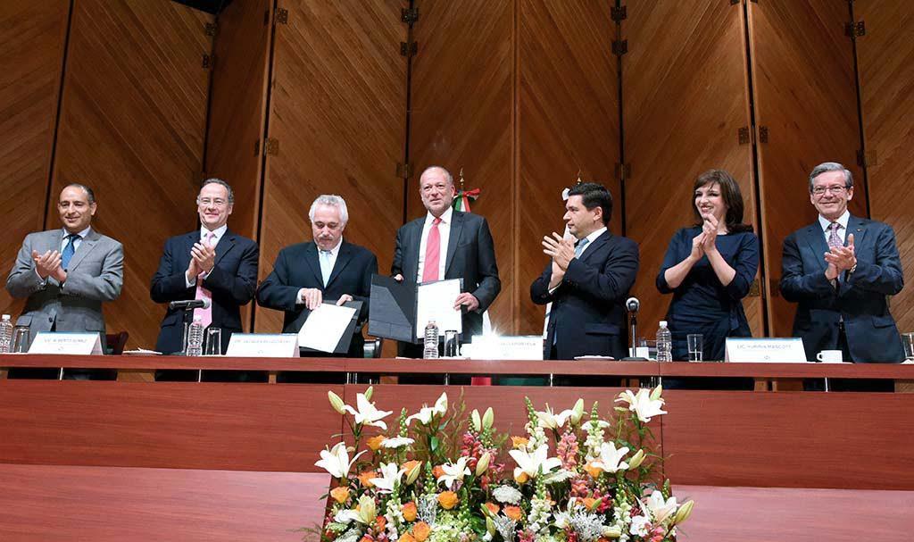 Firman convenio para incorporar proveedores y contratistas en el NAICM