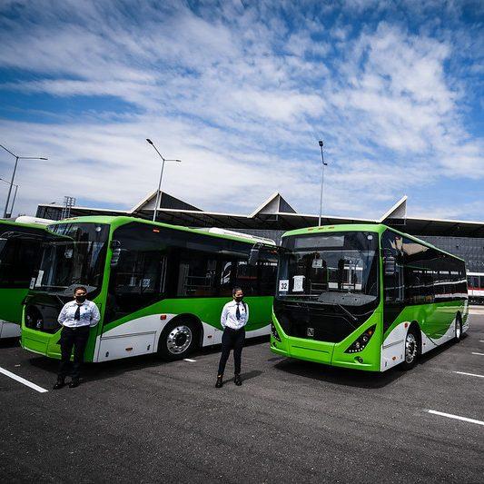 Guadalajara presenta nueva flota de camiones 100% eléctricos