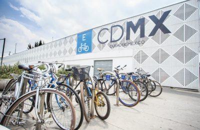 Sedema incentiva el uso de bicicleta con entrega de placas a ciclistas