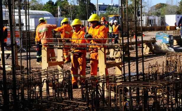 Incrementa índice de personal ocupado en el sector de la construcción