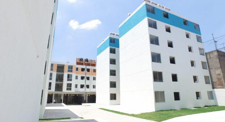 GCDMX entrega viviendas a familias afectadas por el sismo de 1985