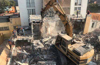Continúa demolición del inmueble Escocia 29