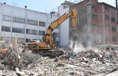 Finaliza demolición de un edificio más en la Portales