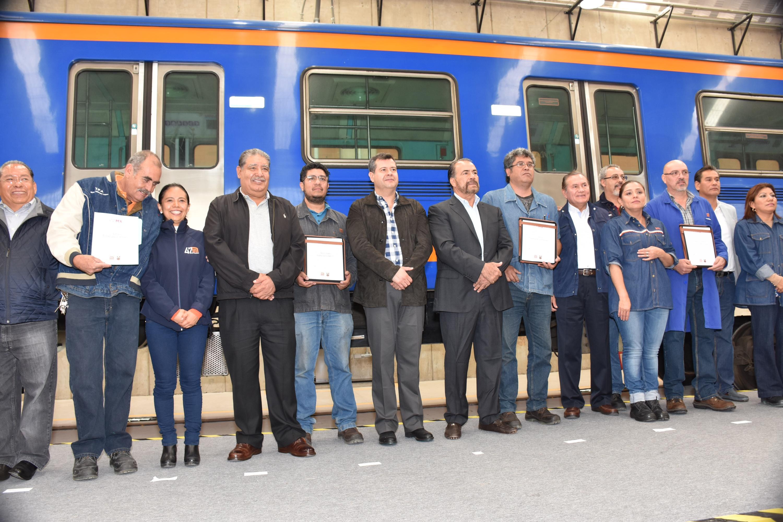 Construyen nave de mantenimiento para trenes de Metro