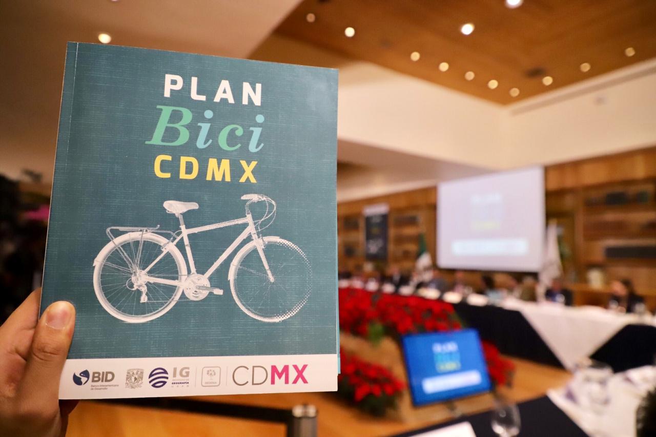 Gobierno capitalino presenta plan para promover movilidad sustentable
