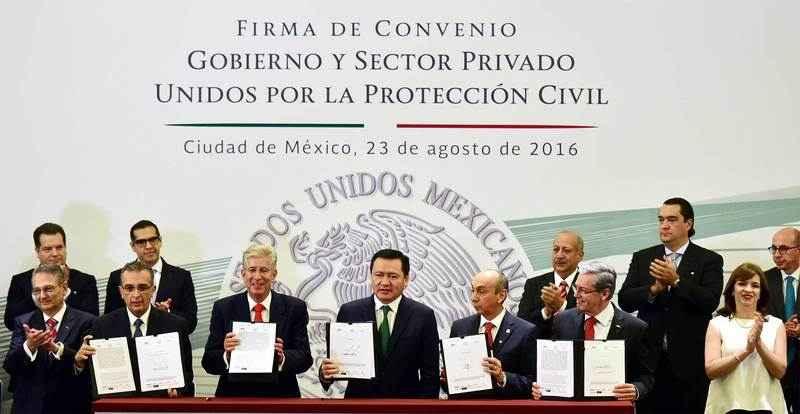 """Firman Convenio Gobierno e IP: """"Unidos por la Protección Civil"""""""