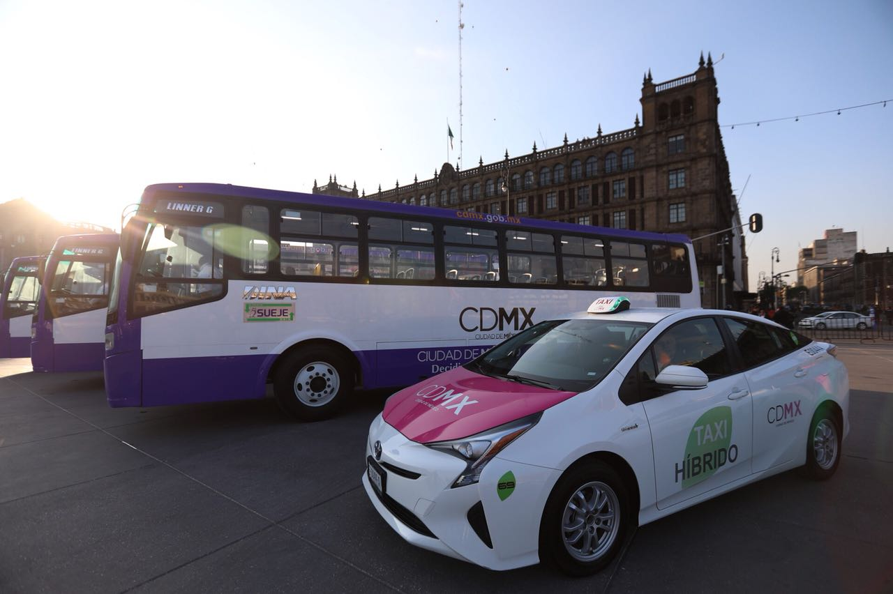Implementan nuevos buses y taxis híbridos en la CDMX