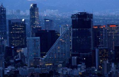 México recibe señales mixtas en sector inmobiliario