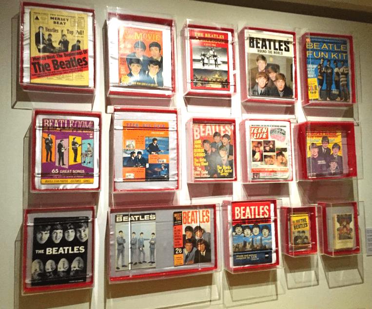 Abren expo psicodélica de Los Beatles en el Soumaya