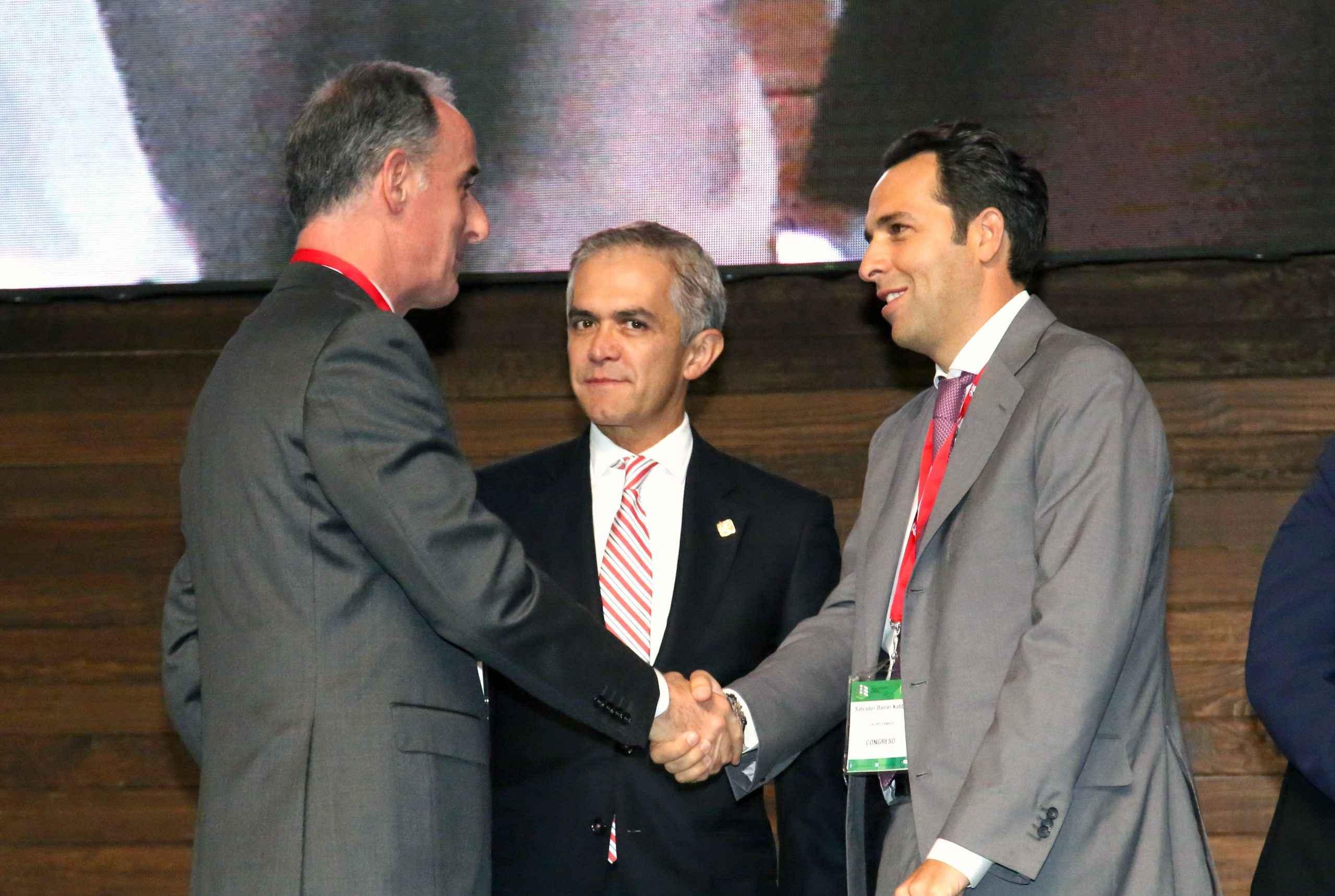 Salvador Daniel Kabbaz asume presidencia de la ADI