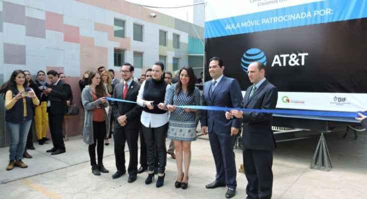 AT&T y Construyendo a México Crecemos en favor de la educación