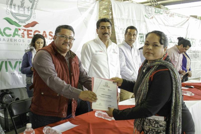 Entregan acciones de vivienda en Zacatecas