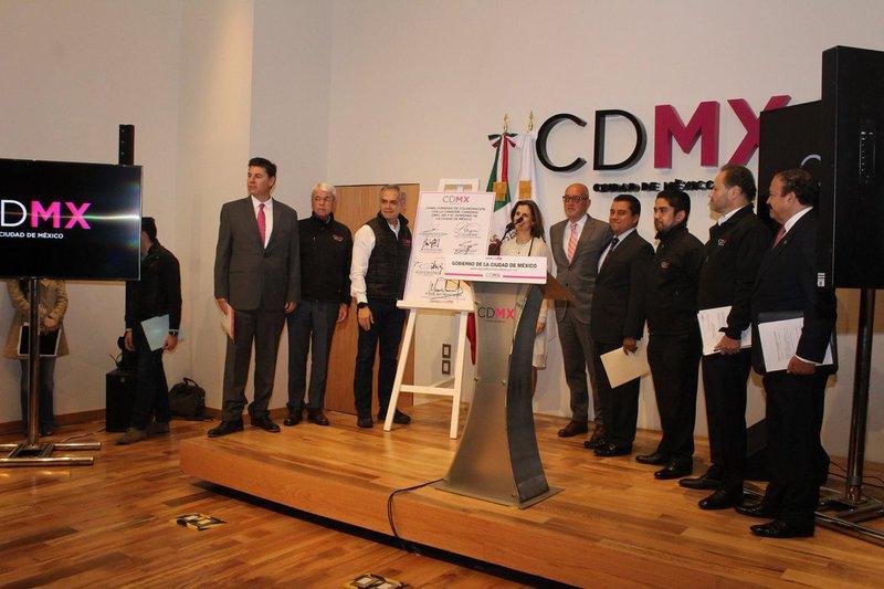 Acuerdan bajar precio en cemento para reconstruir CDMX