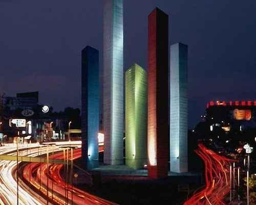 Alistan festejos por el 60 aniversario de las Torres de Satélite
