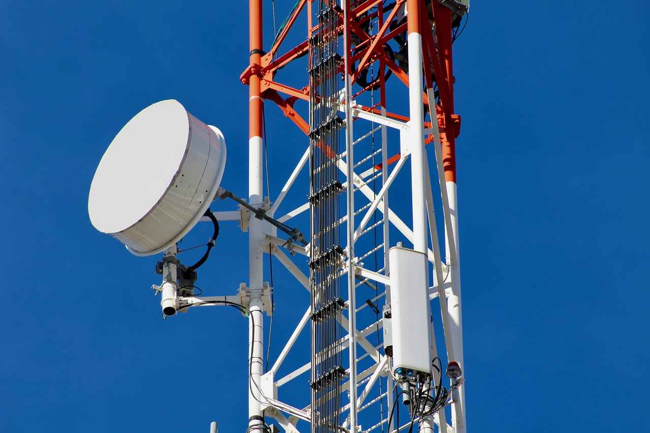 lanzan-fibra-sites-instrumento-para-invertir-en-torres-de-telecomunicaciones