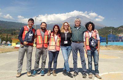 Estudiantes de la BUAP recostruyen primaria afectada por sismo 19-S