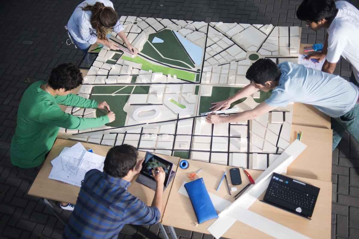 Arquitectura y urbanismo de las carreras mejor for Arquitectura y urbanismo