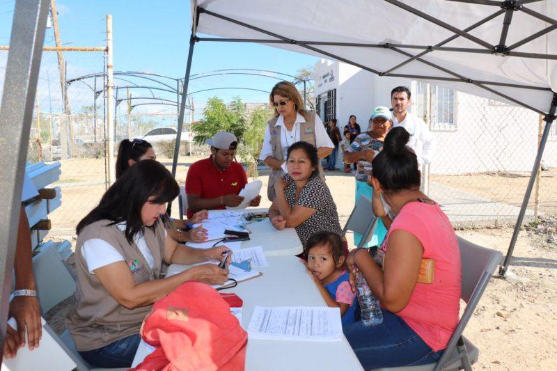 Entregan paquetes para reparar viviendas en BCS