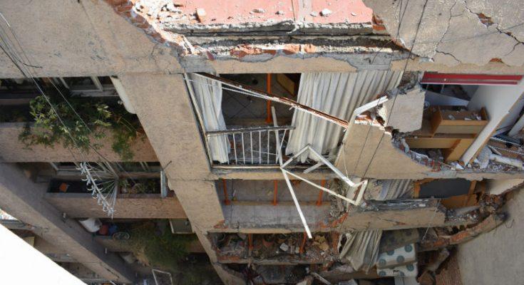 Comenzó la demolición de inmueble en la Portales