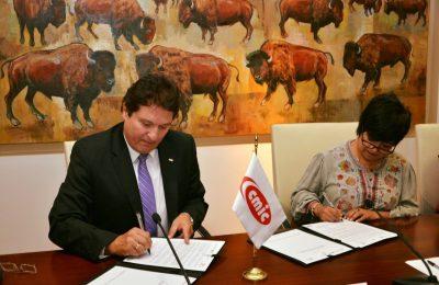 Colaborará CMIC con Conavi en los programas de vivienda