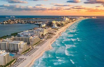 Cancún celebra su 50 aniversario en medio de la contingencia