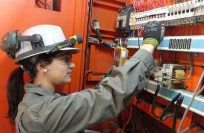 Capacitan a 800 mujeres en construcción al Norte del Edomex