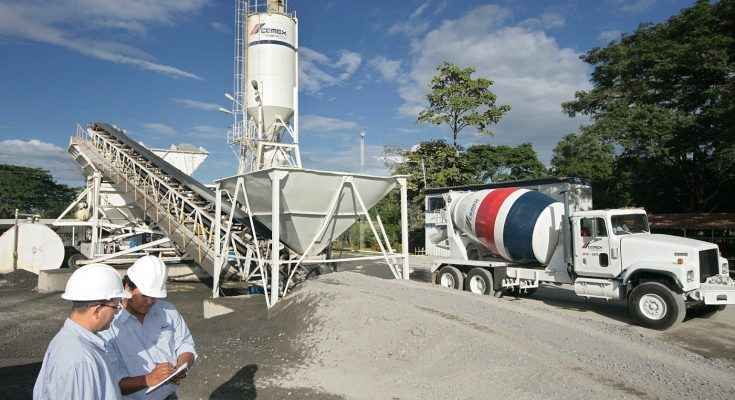 Cemex suministra material para la primera autopista de concreto en Egipto