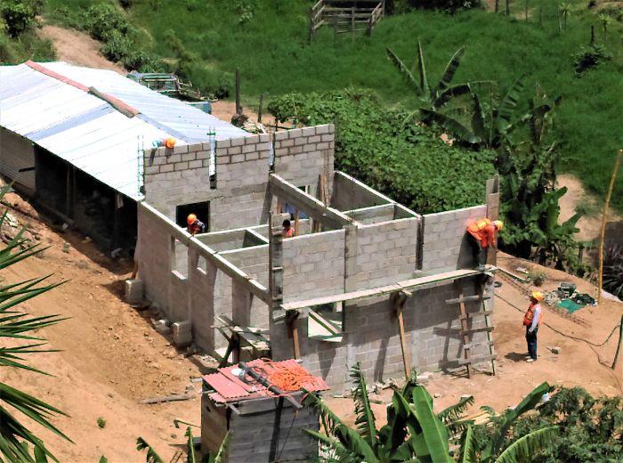 Cemex construye viviendas en Sierra Madre de Chiapas