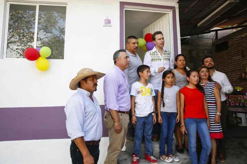 Entregan en Chiapas 200 Cuartos Rosas