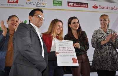 Presentan programa de vivienda para burócratas de Coahuila