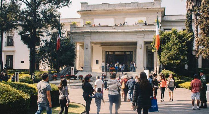 Con conciertos, Los Pinos celebrará aniversario de la Independencia