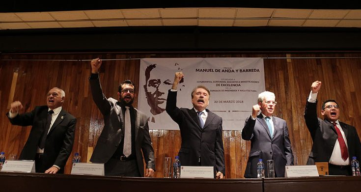 Condecoran al arquitecto Felipe de Jesús Gutiérrez