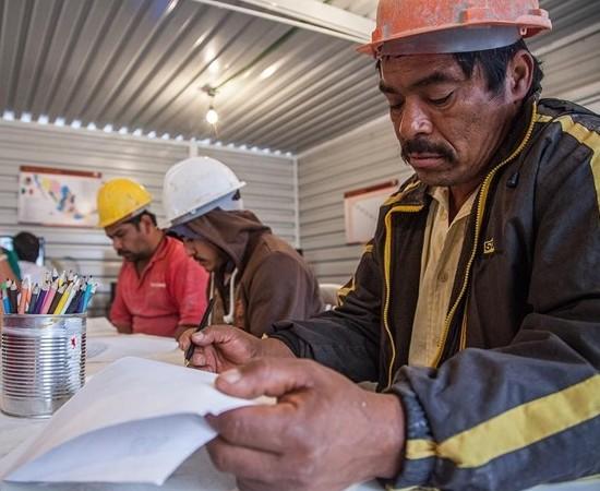 Construyendo y Creciendo obtiene Premio UNESCO de Alfabetización