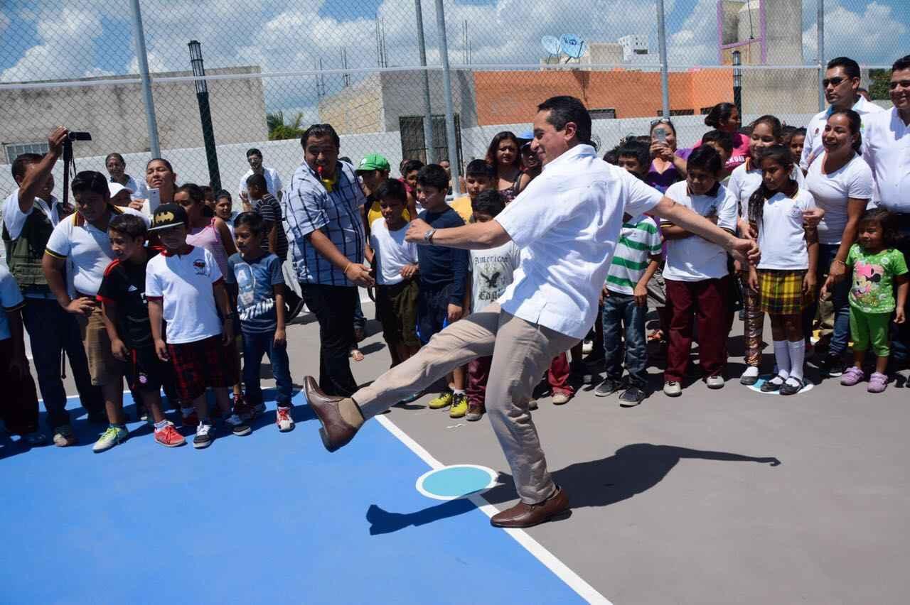 Continúa el rescate de espacios públicos en Quintana Roo