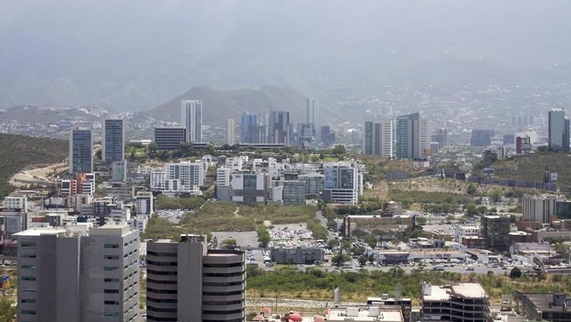 Covid-19 acentuó sobreoferta de espacios de oficinas en México