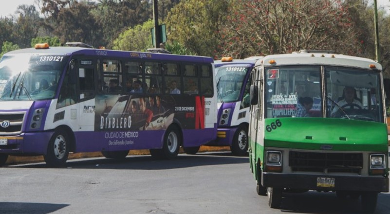 Covid-19 reduce 60% la demanda de transporte público