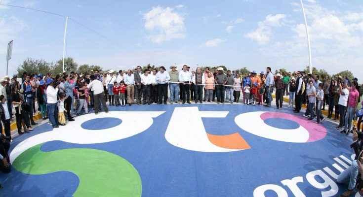 Entrega Miguel Márquez obras de vialidad en Guanajuato