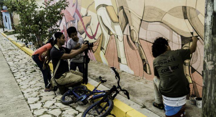Colectivo Tomate inaugura mural en Chiapas