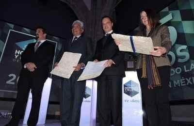 Realizan homenaje póstumo a grandes personalidades durante la entrega del Premio HyM 2016