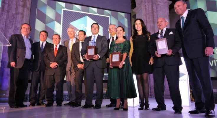 Celebran a la vivienda con el Premio Hombres y Mujeres de la Casa